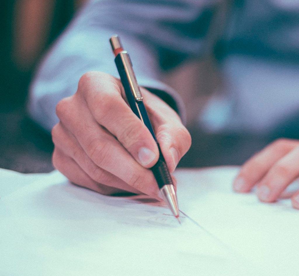 Contratos y condiciones laborales